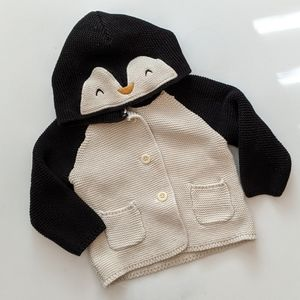 ✨Host Pick✨ Gap Baby Brannan Penguin Sweater 6-12M